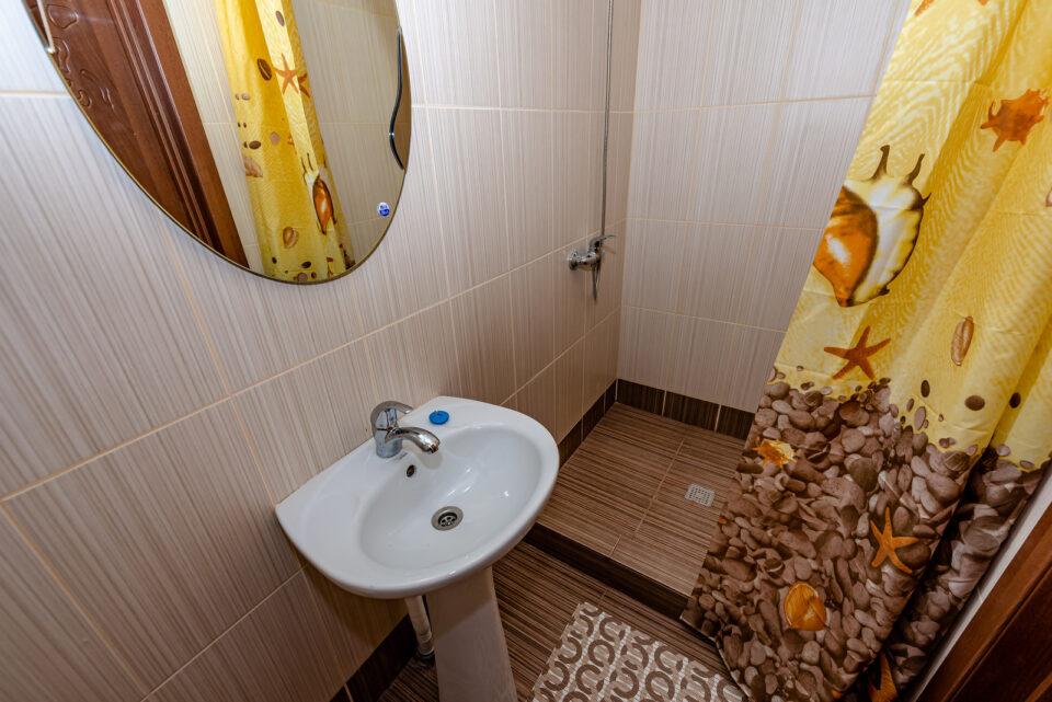 Коттеджи - санузел 1й этаж